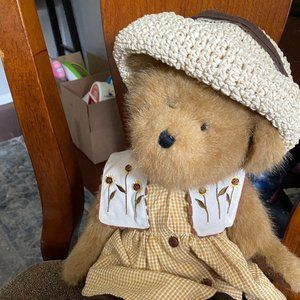 "Boyds Bears ""Susan B. Bearybloom"" 16"" Plush Bear -"